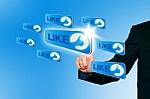 Vendes a empresas, 5 razones por las que sí debes estar en las redes sociales