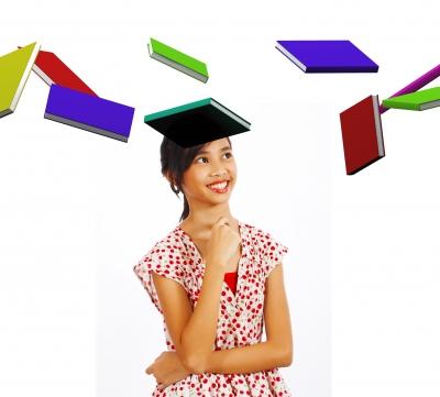 chica con libros volando alrededor