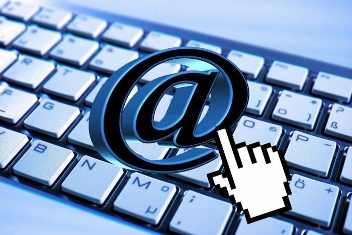 mandando emails